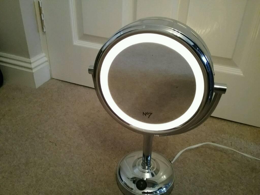 Illuminated Make-up Mirror - Boots No.7