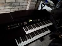Roland organ