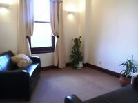 Central Broughty Ferry, sunny, two bed flat to rent, with shared garden.