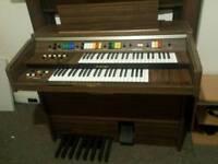 Kawai Electric Organ in Good condition