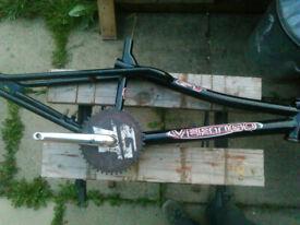 GT Vertigo BMX Frame & crank / mid skool / Black