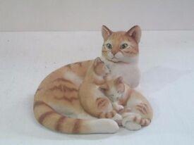 Boxed Sherratt & Simpson limited edition cat model ornament figurine statuette - Sasha with Kittens.