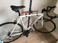 Great deal for road bike - barely used and great condition (56cm, white)