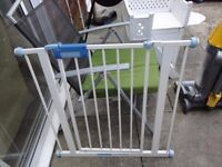 no 11 lindam stair gate with fittings
