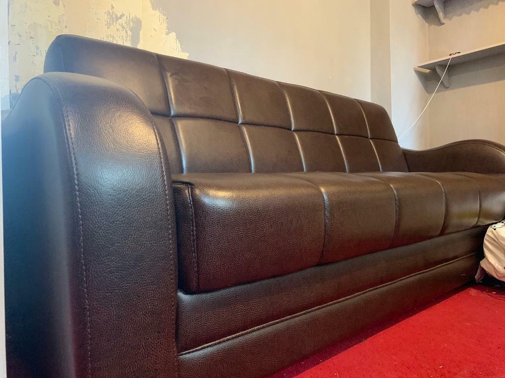 Leather Sofas Twin Set In Bradford