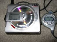 SHARP 701 Minidisc play/recorder, beautiful condition works perfectly. Inc 4 discs and mains adaptor