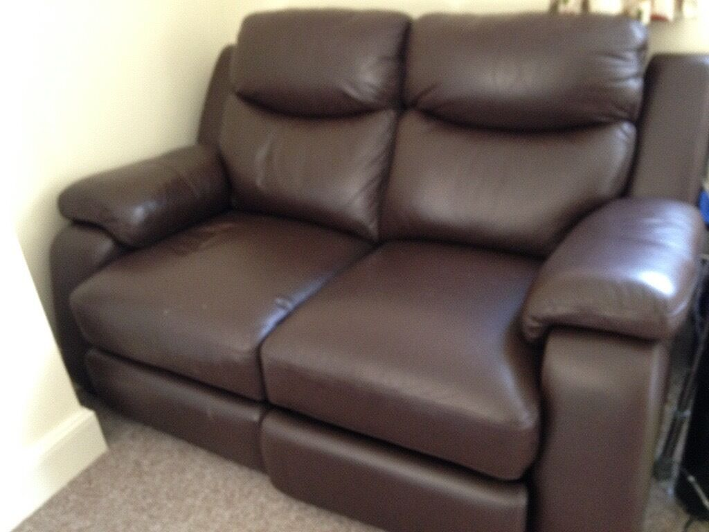 """Eletric Reclining Compact Leather Sofain Tiverton, DevonGumtree - Lovley Compact Electic Reclining sofa in Choclate Brown Leather used but in very good condition in fully working order.Very,Very Heavy Sizes 160cm / 63"""" Wide 100cm / 39"""" High 100cm / 39"""" Deep Bargain £175 ono Very Heavy but can deliver locally"""