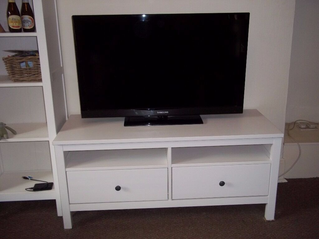ikea hemnes white tv stand with 2 drawers in camden town