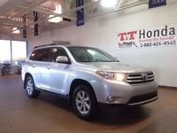 2013 Toyota Highlander SR5 leather *Local Vehicle No Accidents!*