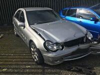 Breaking 2005 Mercedes-Benz C Class Classic Se CDi 2148CC turbo /Automatic/ Diesel