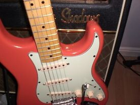 FENDER VINTAGE MODIFIED STRATOCASTER FIESTA RED HANK MARVIN STYLE