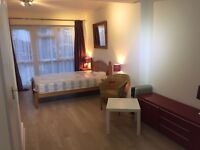 Double room in Edgware HA8 10 MINUTES WALK TO STANMORE STATION