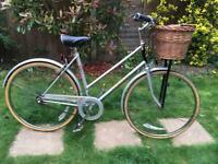 LADIES RALEIGH COLETTE 3 SPEED ROADSTER/TOWN BIKE WITH WICKER BASKET LIKE PASHLEY