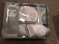 Slipper&cosmetic bag