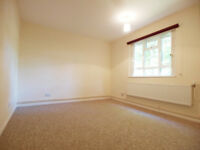 A 3 double bedroom flat in this small purpose situated block situated close to Archway station