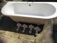White feature bath