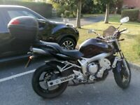 Bike Yamaha FZ6 2005 black top box Good condition