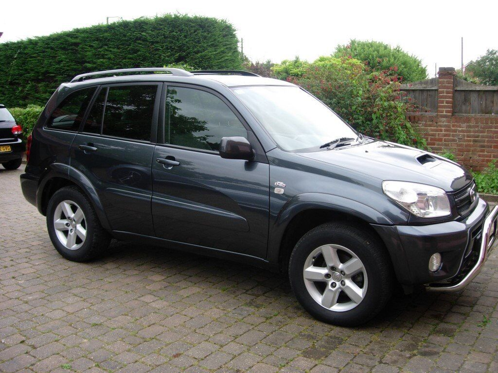 toyota rav 4 xtr d4d 2005 dark grey metallic 83000 excellent condition in hullbridge. Black Bedroom Furniture Sets. Home Design Ideas