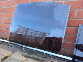 BMW 5 SERIES E60 2006 GLASS DOOR LEFT AND RIGHT FRONT, LEFT REAR