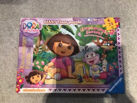 Dora the Explorer Ravensburger Giant Floor Puzzle