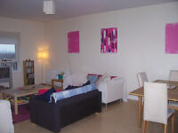 BEDROOM TO RENT IN MODERN APARTMENT IN DENNISTOUN