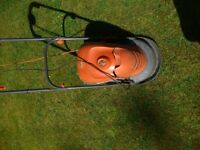 Flymo Hover mower : lightweight mover ideal for the smaller or front garden