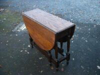 Antique dining kitchen country table, drop leaf table 4-seater solid oak side table, gate leg c.1930