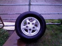 Landrover Freelander 16in alloy excellent condition with tyre