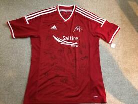 Signed Aberdeen FC home shirt. 2014/15 season.
