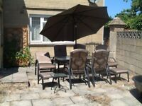 6 Seater glass topped patio set with parasol
