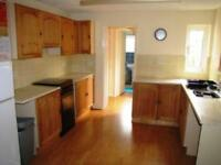 2 bedroom house in 2 Bedroom House, Tidmarsh Street, Reading
