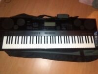 Casio WK-7500 Keyboard, 128 keys, 800 Preset Tones, 32 Channel Mixer, Touch Sensitive