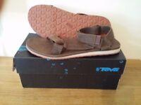Teva Original Leather Sandal UK10 Brand New w/box