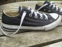 VGC Converse Chuck Taylor All Star Youth Classic Ox Canvas Trainers, Kids size 12. RRP £37