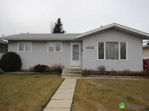 $306,000 - Bungalow for sale in Fraser