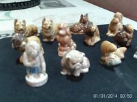 12 WADE ANIMALS GOOD CONDITION (BUYER COLLECT ONLY)