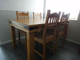 Dining Room Pine Table And 4 Chairs - 5 FT