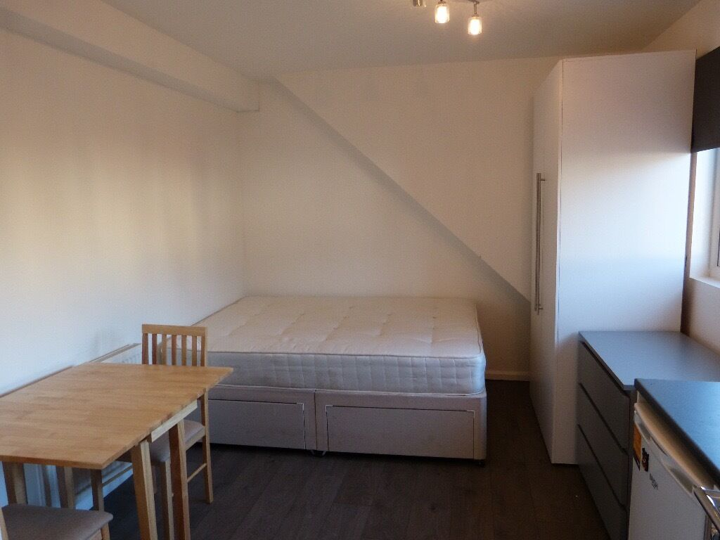 BRAND NEW FURNISHED STUDIO FLAT TO LET IN GOLDERS GREEN INCLUDING ALL BILLS AND INTERNET
