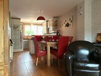 Bright, modern and stylish house with garden to share (5mins walk from Woolwich Arsenal DLR)