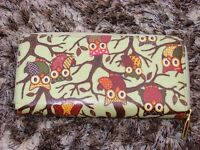 Owl purse, in wipeable material with zip. Excellent condition with compartments. £5