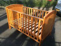 Baby wooden cot bed