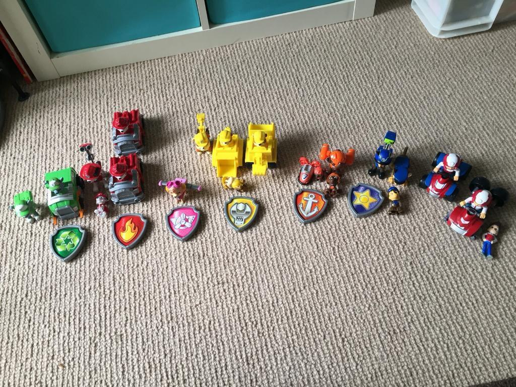 Paw Patrol Figures and vehices, badges and mini figures. SOLD STC