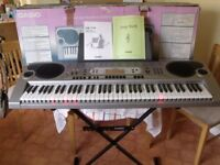 Casio LK73 Keyboard + casio stand