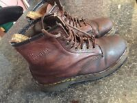 DR MARTENS BROWN NABUCK ONLY 29£!!!!!! SIZE 39