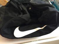 (USED) NIKE Sport Bag Black -65% off