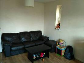 Flat share in MK centre