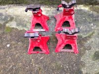 Pair of Car Ramps & 2 Pairs of Axl Stands