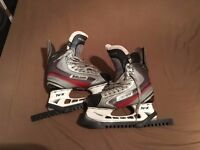 Ice Hockey Bauer Vapor X5.0 Skates - Size 6.5 EE