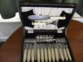 Six-place setting canteen of fish cutlery with servers