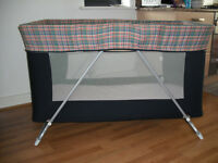 Baby playpen / travel cot bed